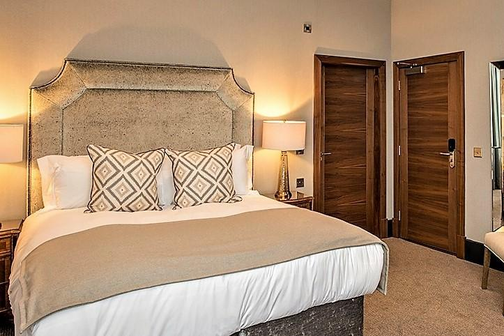 Kinettles Hotel Bedroom